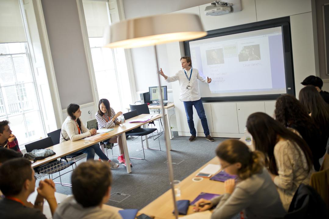 清新明亮的教室